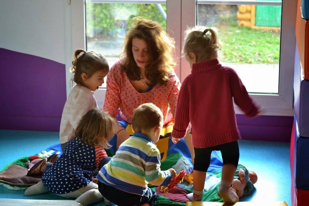 photo pro de la creche avec enfants